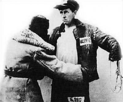 Прикрепленное изображение: Solzhenitsyn-obysk.jpg