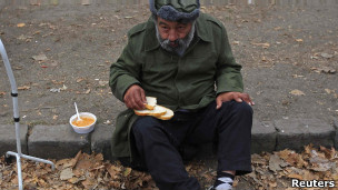 Прикрепленное изображение: 111201123058_hungarian_homeless_304x171_reuters.jpg