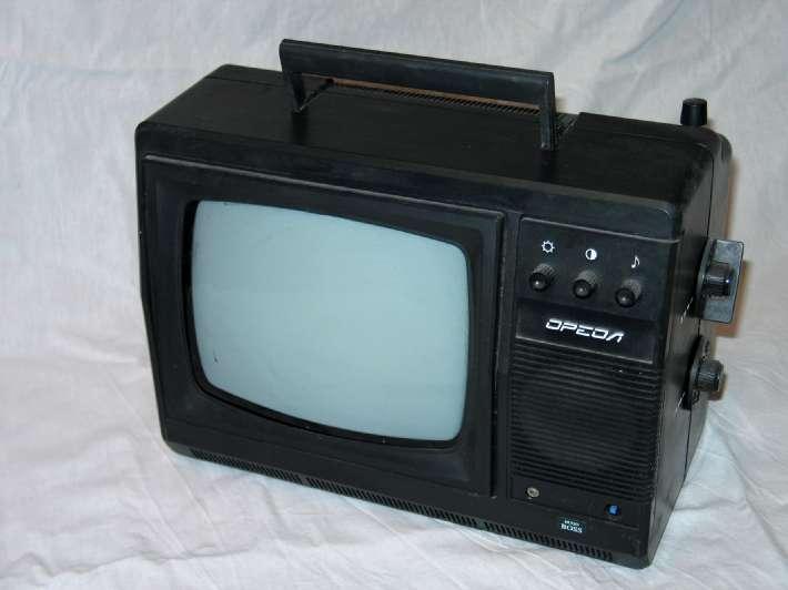 Переносной телевизор ч/б