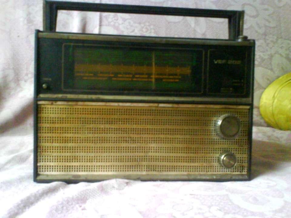 Мой самый любимый радиоприёмник ''VEF-202'' .