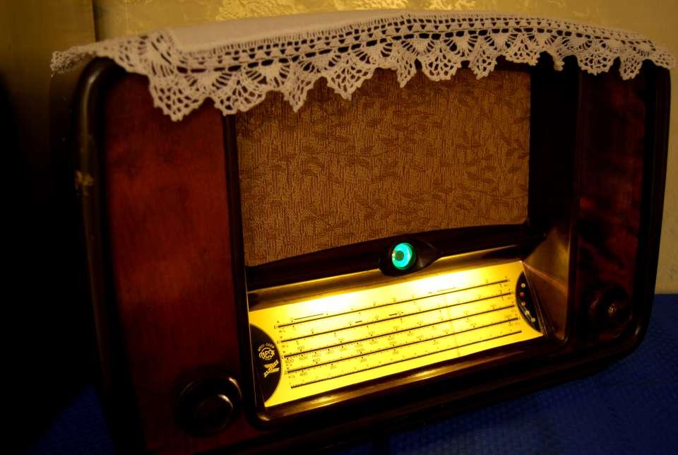 "ламповое радио ""Балтика"" 1952г"