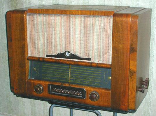 """Сообщений: 971. ты не заметил, деревянными панелями Маршалл была закамуфлирована радиола  """"Белорусь-53 """"."""